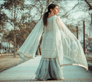Non Bridal Lehengas / Sarees